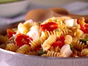 EI1115_Fuzilli-with-Tomato-Sauce.jpg.rend.sniipadlarge