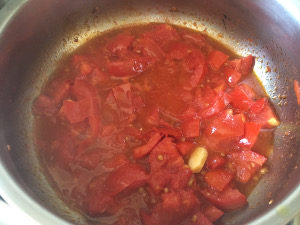 fresh_tomatoes_sauce_cooked_recipe_calamari_taste_with_gusto