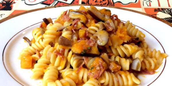 Featured_fusilli_zucca_funghi_salame_recipe_taste_with_gusto_1_plate
