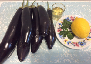 aubergines_balsamic_vinegar_mint_lemon_ingredients