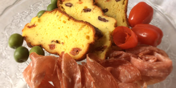 funkyed_featured_bl2_ricotta_quick_bread_with_sundried_tomatoes_and_olives_plated1_1200