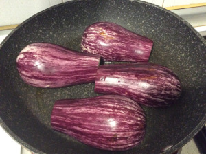 Chicken_breast_with_aubergines_recipe_cook_aubergines_pan