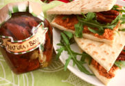 feat_bf_1_Piadina_with_sundried_tomatoes_sauce_and_rocket