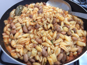 Pasta_fagioli_ricotta_forte_recipe_taste_with_gustomix