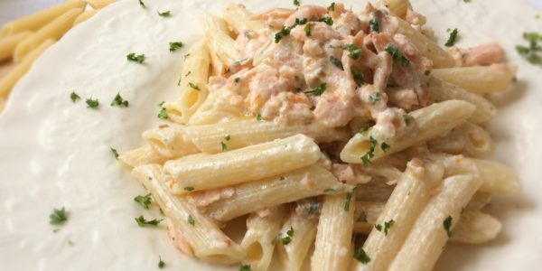 featured_bf_1_penne_pasta_with_salmon